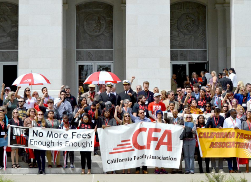 Members outside Capitol building